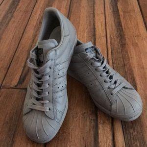 Le adidas superstar poshmark tutto grigio